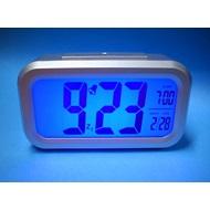 Ρολόι επιτραπέζιο με ξυπνητήρι και αισθητήρα φωτός για να ανάβει αυτόματα  στο σκοτάδι 353550a7188